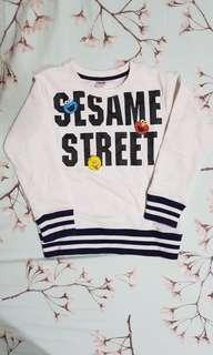 Uniqlo Sesame Streets sweater for kids size 110