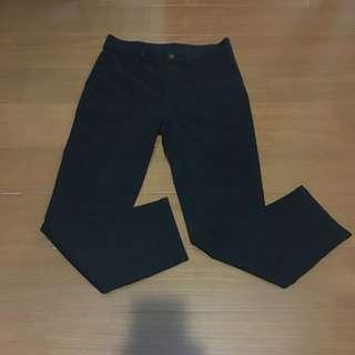 🚚 Uniqlo 黑色彈性長褲
