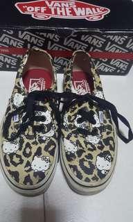 🚚 Vans Shoes (Hello Kitty Sanrio Series)