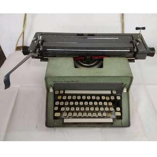 Antique Remington Rand typewriter (with original receipt from 1965!)