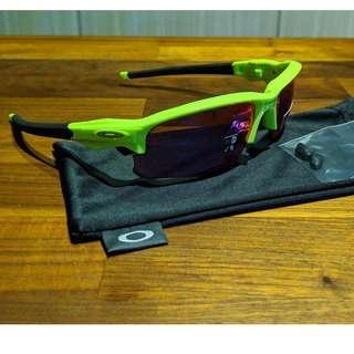 Oakley Flak Jacket 2.0 (Asia Fit) Sunglasses • PRIZM Road Lenses • Retina Burn Frame OO9373-0770