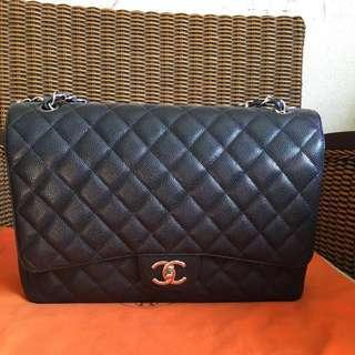 🚚 Chanel classic maxi flap