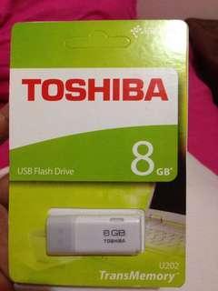 New toshiba usb 8 gb