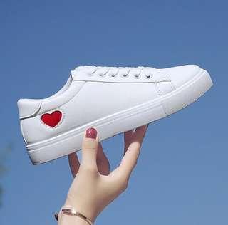 [PO] Ulzzang korean style heart sneakers