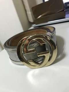 Gucci 銀色皮帶