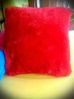 Bantal Bulu Dan Bantal sofa