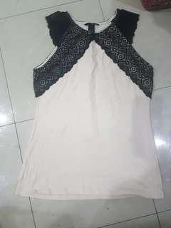 H&M light pink sleeveless top with lace detail