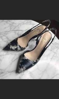 🚚 大理石紋尖頭時尚跟鞋 23 極新