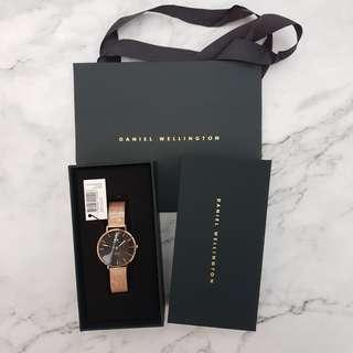 🚚 Daniel Wellington DW Classic Petite Melrose Black 32mm Watch