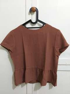 Brown invio top