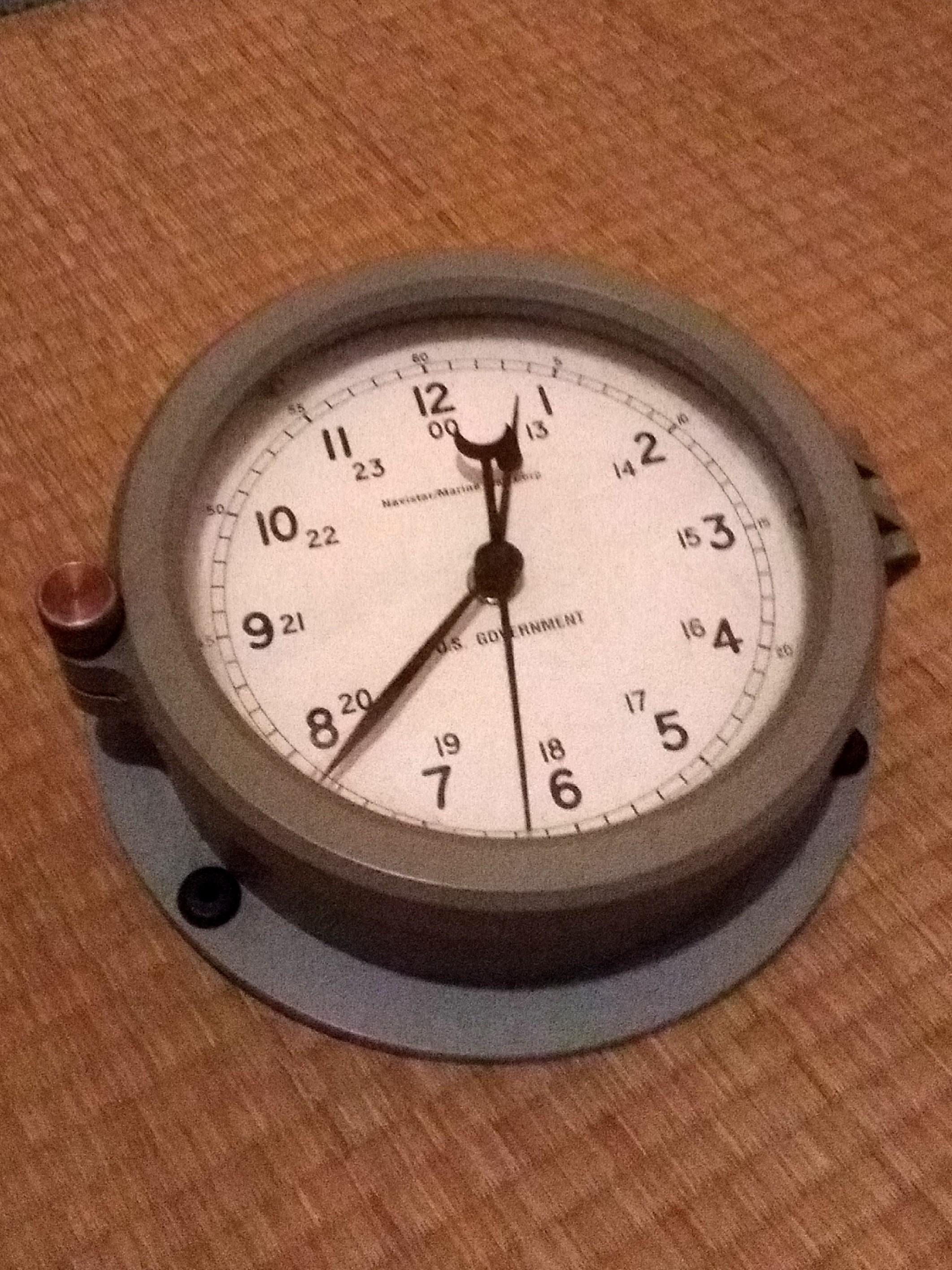 美國艦上鋼船鐘