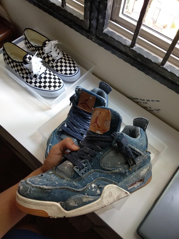 3ce0e421b3e Air Jordan 4 Levis distressed (custom), Men's Fashion, Footwear ...