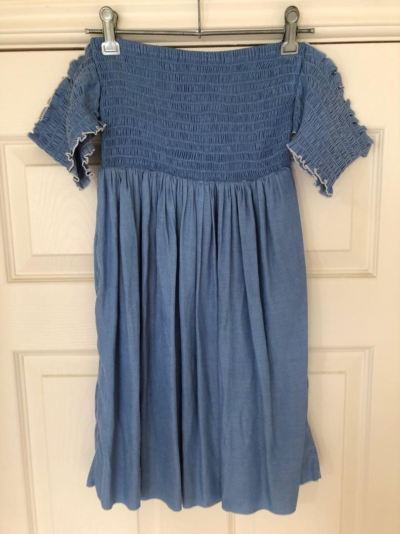 Beginning Boutique Size Small Off the Shoulder Dress