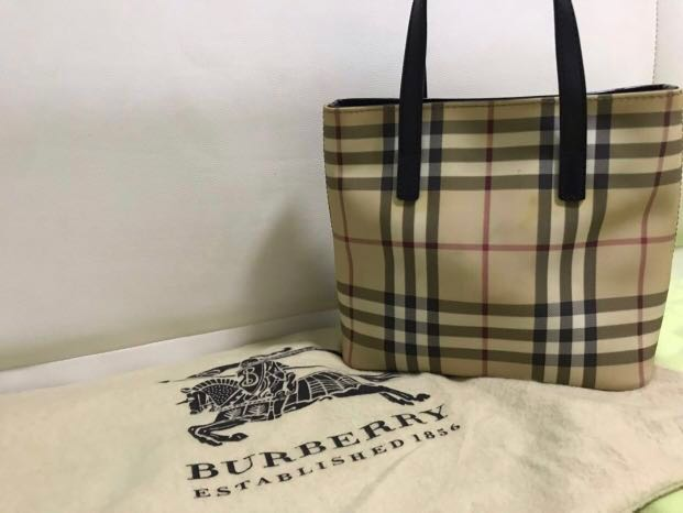 Burberry Tote Bag e810cc0bc8bb7