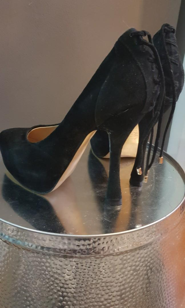 High heels - selling in bulk $15 for 8 pairs of shoes!!