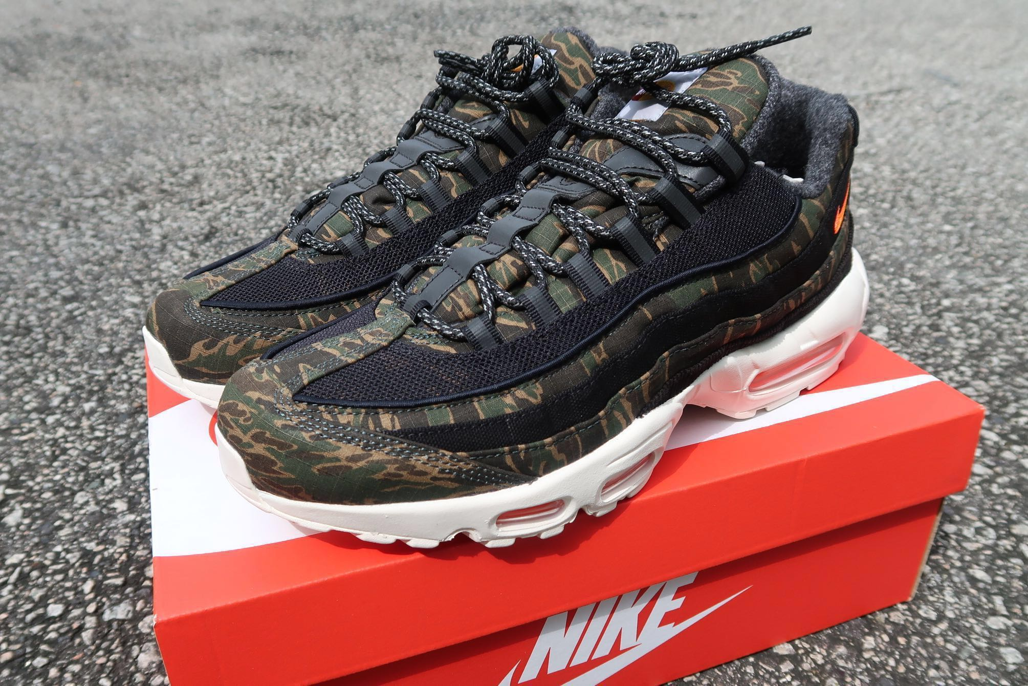 super popular 67644 c5bec Nike Air Max 95 Carhartt WIP Camo, Men s Fashion, Footwear, Sneakers on  Carousell