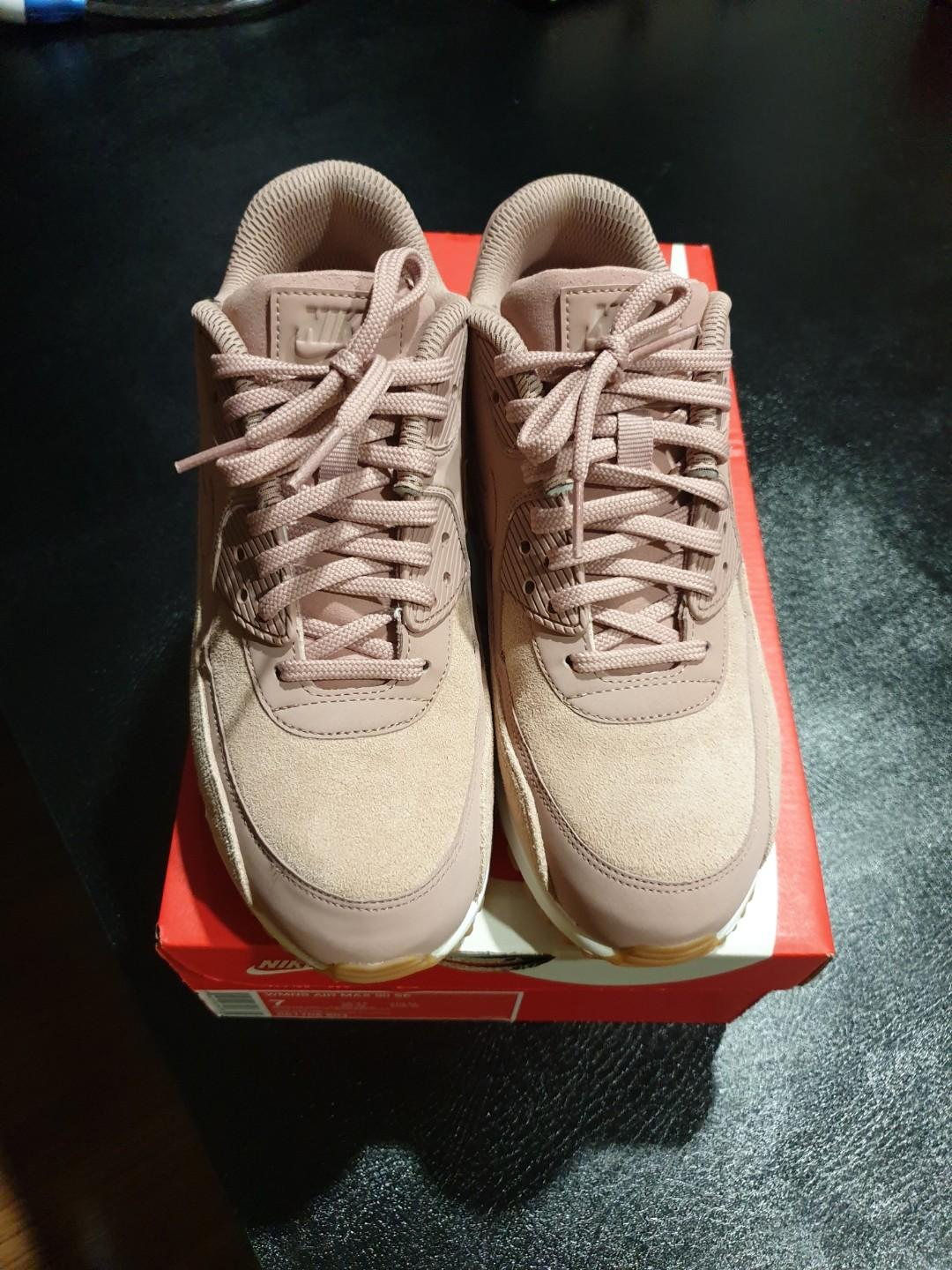 newest 96df8 ee5f3 Nike Air Max 90 SE, Women's Fashion, Shoes, Sneakers on ...