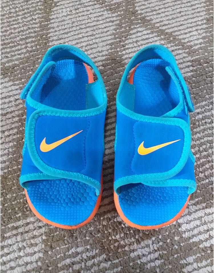 3fd4682095b3 Nike sunray sandals