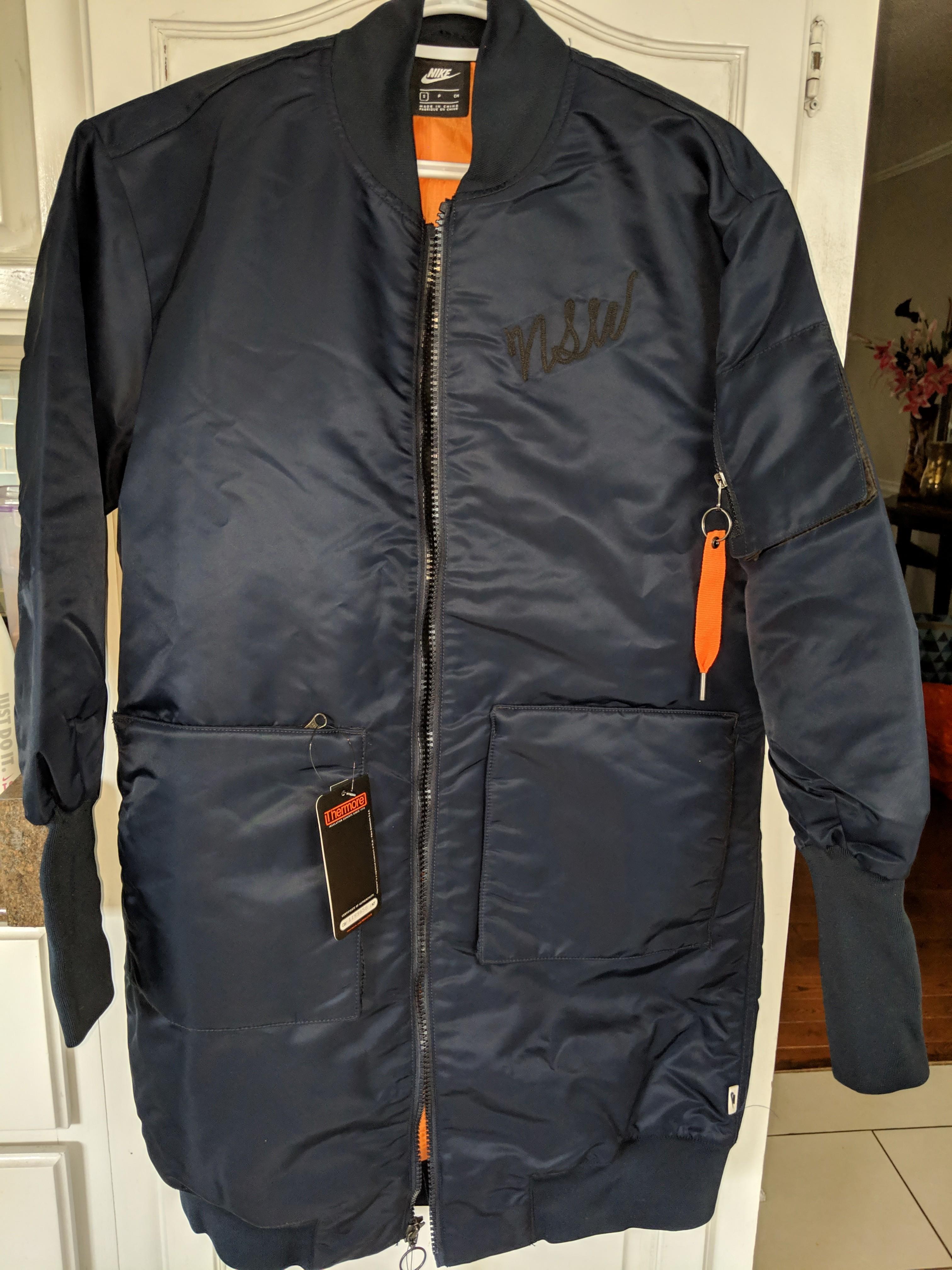 *PRICE DROPPED* NWT Nike Sportswear Navy bomber jacket