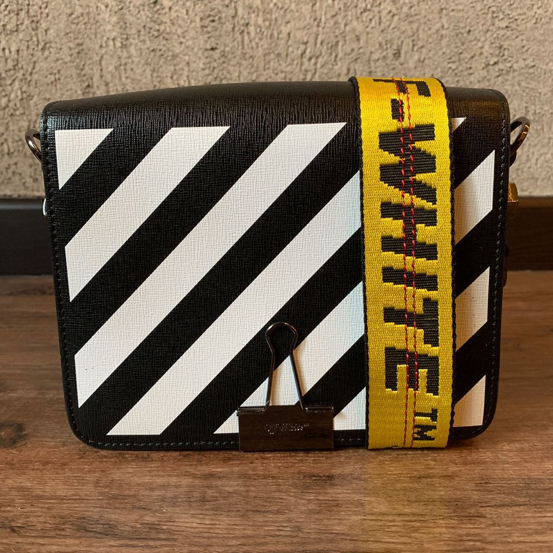 25629313 OFF-WHITE Black Diag Binder Clip Bags, Luxury, Bags & Wallets ...