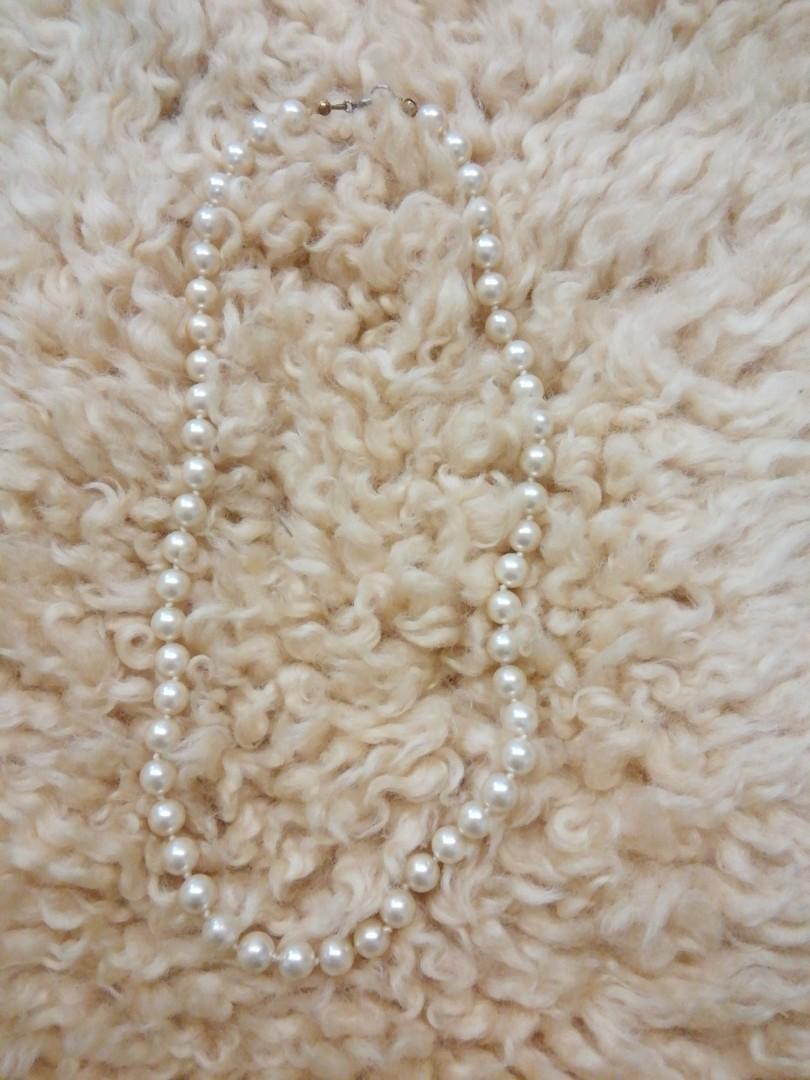 Pearl style short necklaces