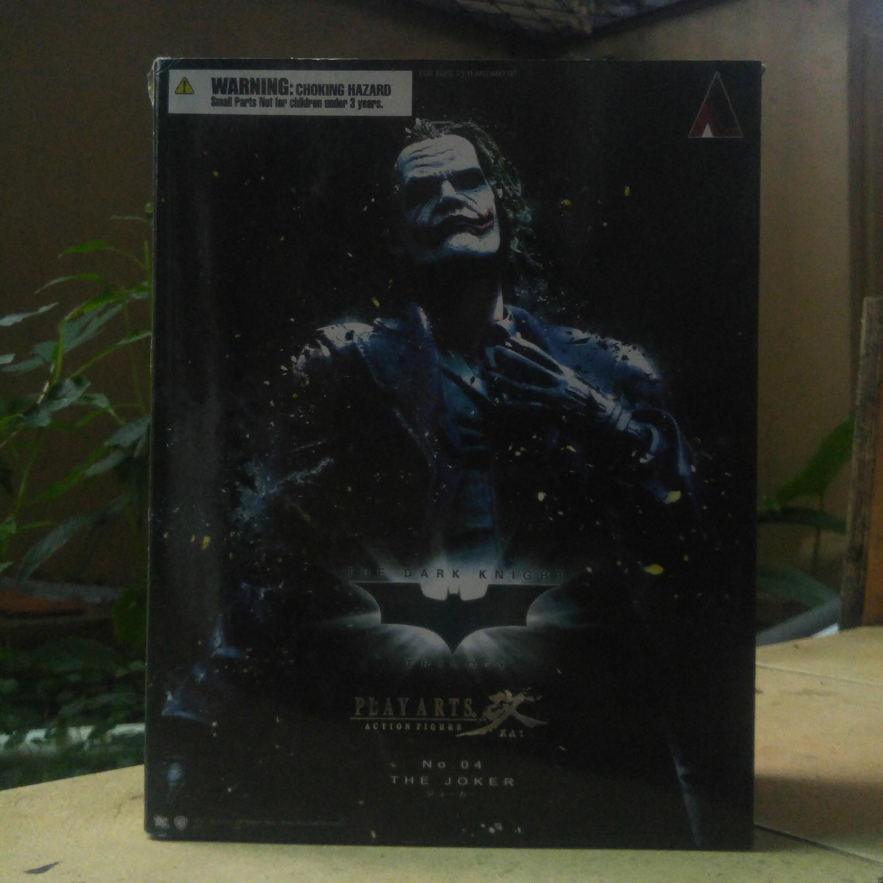 Play Arts Kai The Joker - The Dark Knight Trilogy (Bootleg)