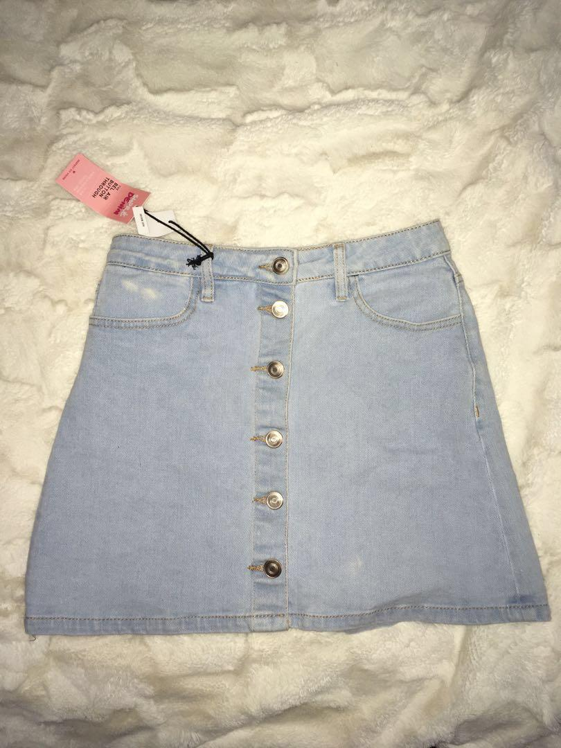 Supre size 6-small 8  button up skirt new with tags