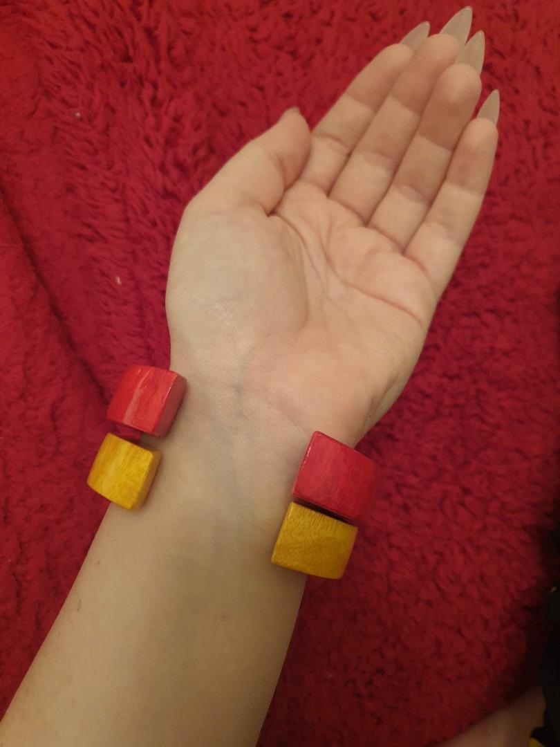 Vintage Lightweight Red & Yellow Bracelet / Bangle Set