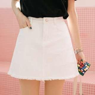🚚 White A-line Denim Skirt with safety shorts
