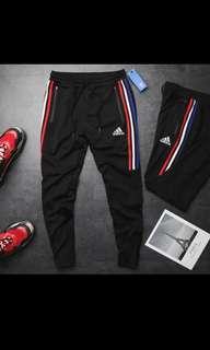 🚚 Adidas長褲,三葉草,熱銷,基本款