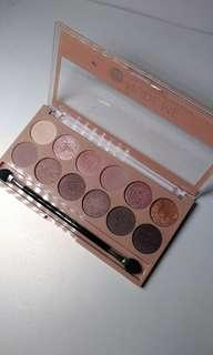 Nude me pink champagne eyeshadow palette
