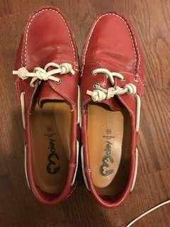 Sepatu pria semi kulit