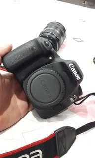 80D Canon Camera with 24-105mm USM Lens