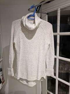 H&M Turtleneck size Small