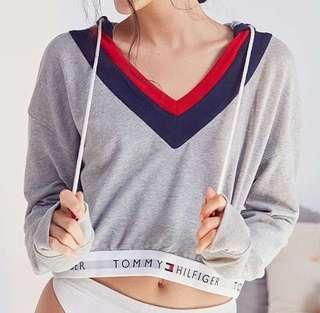 Tommy Hilfiger UO Exclusive Cropped Hoodie
