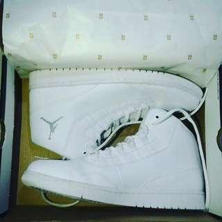 Dijual Sepatu Air Jordan Executive all White Ori rare collector items
