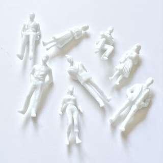 10x White Human Figures @ 1:50