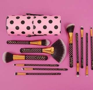 BH Cosmetics Pink Polka Dot Brush Set