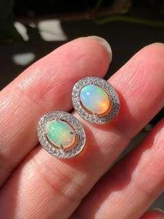 🚚 「守岑典藏」天然七彩歐泊耳環(Natural Opal)
