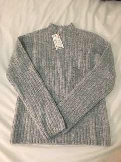 BNWT uniqlo grey mock neck