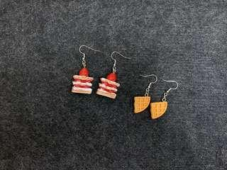 🚚 Strawberry cake / waffles earrings