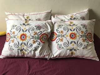 Ikea Cushions *4 (each one was 39.9, now 4 for 80)no nego