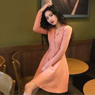 長袖連衣裙秋冬新款chic韓版簡約氣質修身顯瘦小翻領純色高腰扣子