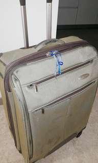 "24"" Samsonite 4 wheels luggage"