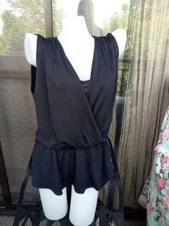 Black formal sleeveleas