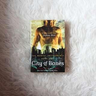 The Mortal Instruments: City of Bones (Book 1) - Cassandra Clare
