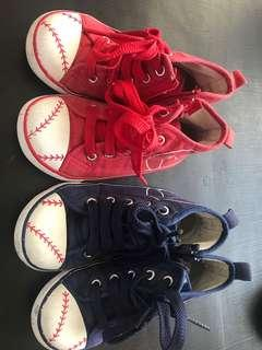 🚚 Converse style Shoes 2 pairs for 8