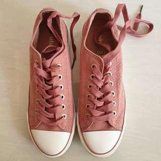 Ruby shoes pink