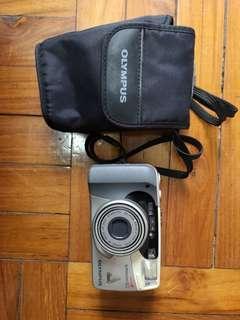 Olympus Superzoom 160 film camera