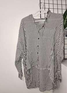UO HIGH LOW BUTTON UP
